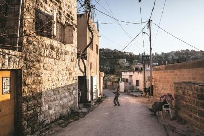 البلدة القديمة في عبوين